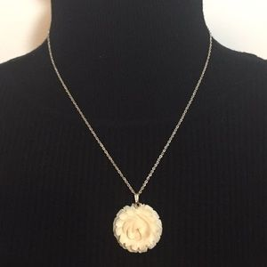 Vintage Silver Tone Cream Tone Flower Necklace